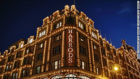 With a retail space of 90,000 square meters, Harrods is the biggest department store in Europe.