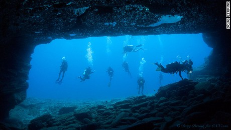 RESTRICTED Diving off Hawaii's Ni'ihau island