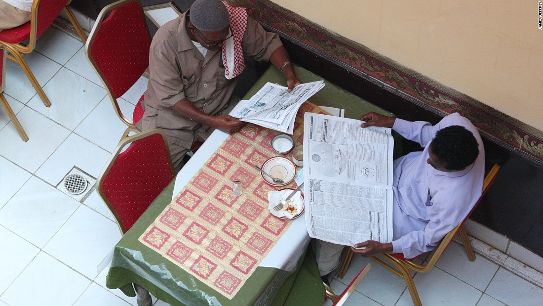 Due to the hotel's prime location, Somaliland locals come throughout the day to chat, have a cup of tea and a snack, or to read the papers within the courtyard.