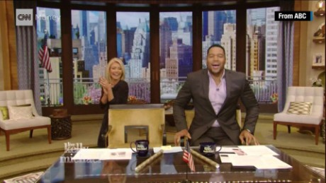 michael strahan last day live with kelly michael_00001030
