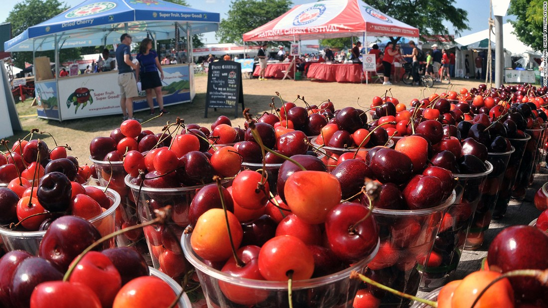 This week-long cherry celebration in July offers pit-spitting competitions, pie-baking contests, a Grand Cherry Parade and the crowning of a Cherry Queen.
