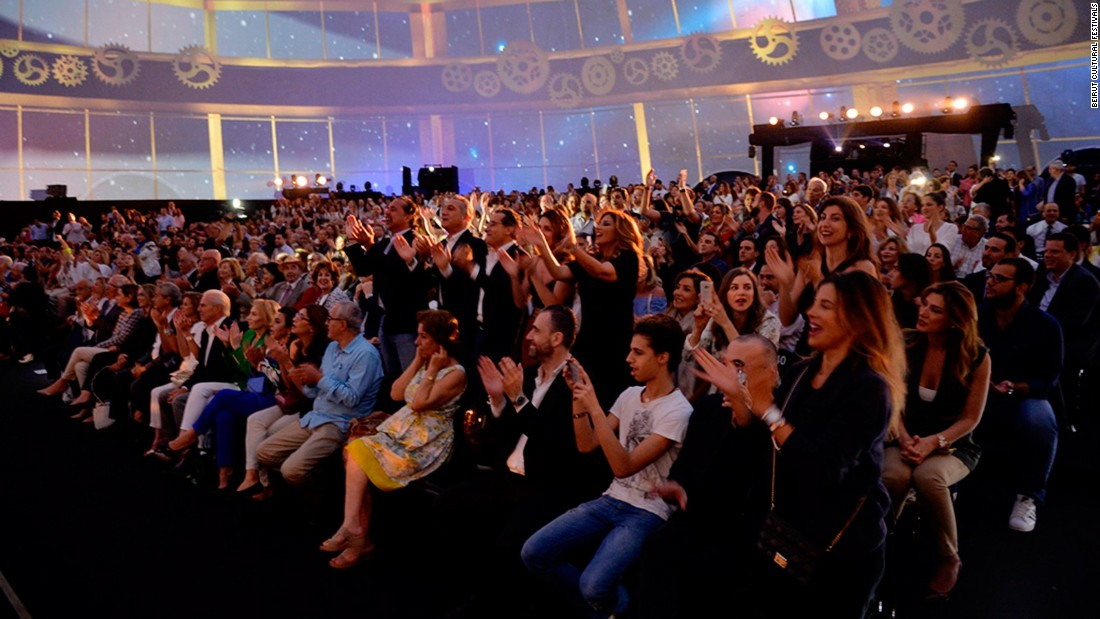The show brought standing ovations, as well as singing and dancing from a capacity first-night audience that included big names from Beirut's social scene.
