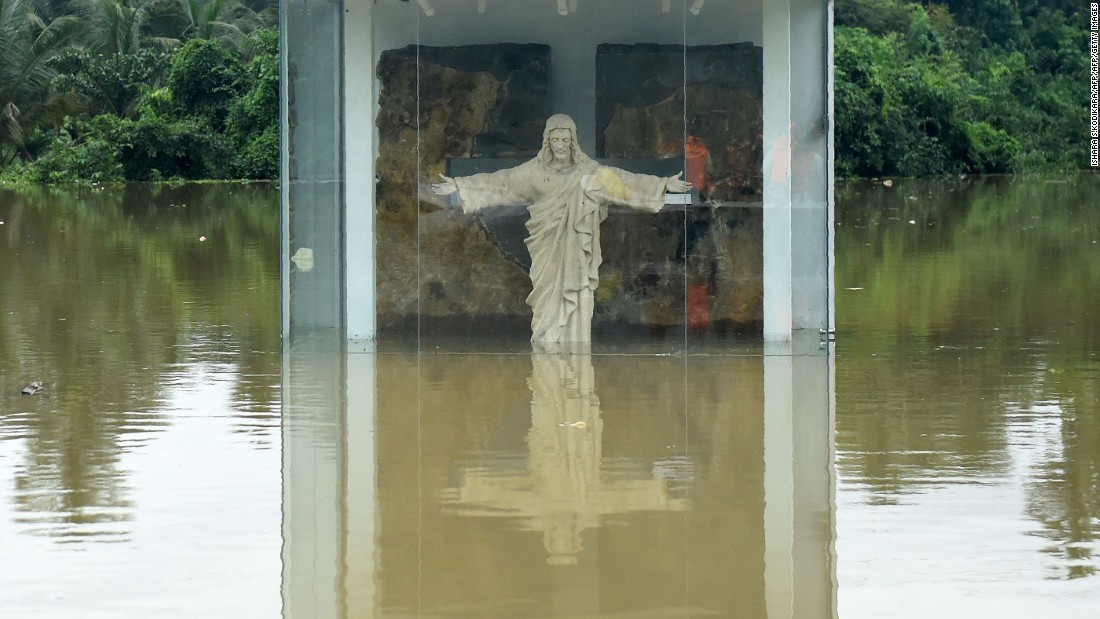 Sri Lanka: Over 100 dead after torrential rain - CNN