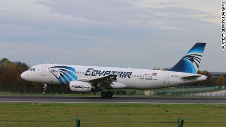 EgyptAir Flight 804's final moments in 1 minute