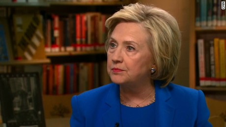 Clinton changes stance on if Trump is unqualified