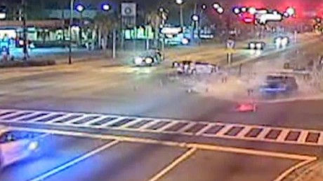 police officer crash florida red light pkg_00004308