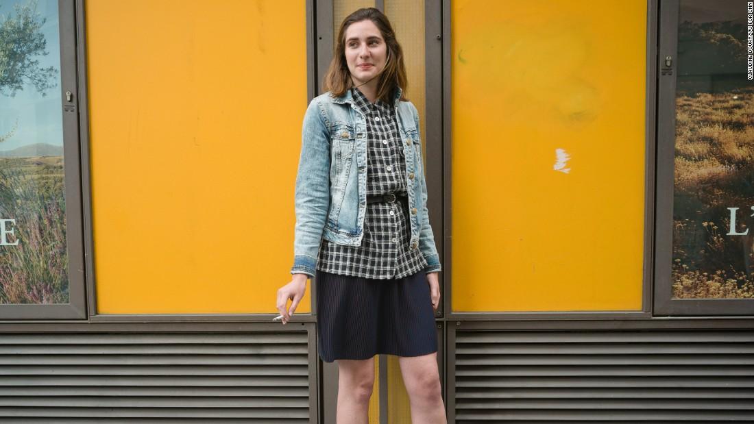 Manon, 24, development assistant.