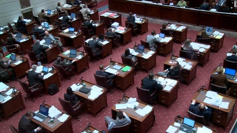 Oklahoma legislature passes bill criminalizing abortion