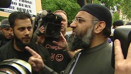 exp Anjem Choudary says the Islamic State is paradise_00000318