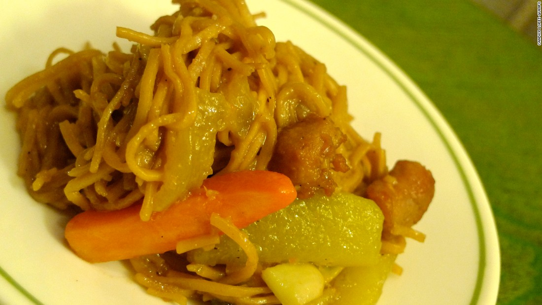 In Lucban, Quezon, pancit habhab is served on a banana leaf and slurped.