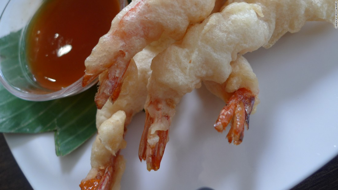 This deep-fried shrimp dish is typically served with a tomato-based sweet and sour sauce.