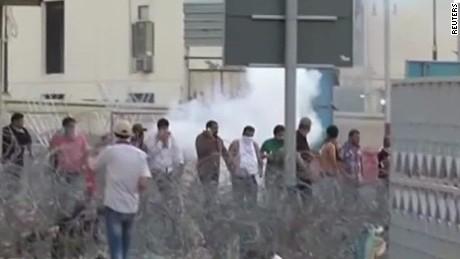 iraq protesters storm green zone howell seg_00001128