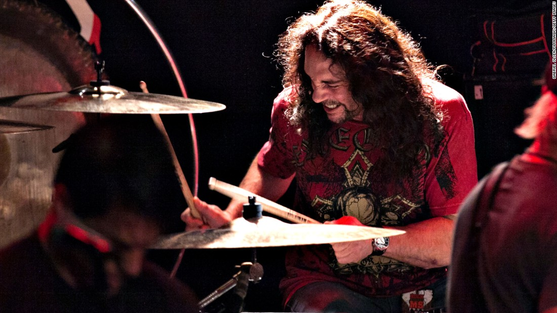"Drummer <a href=""http://www.cnn.com/2016/05/22/living/nick-menza-ex-megadeth-drummer-death-trnd/index.html"" target=""_blank"">Nick Menza</a>, who played on many of Megadeth's most successful albums, died after collapsing on stage during a show with his current band, Ohm, on May 21. He was 51."