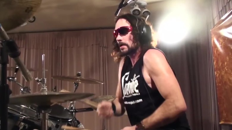 former megadeth drummer dies onstage orig_00000022