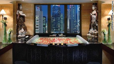 Mandarin Oriental Hong Kong: Now with added restaurants.
