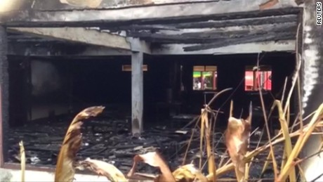 Overnight fire kills 18 girls in Thai school dorm_00004229