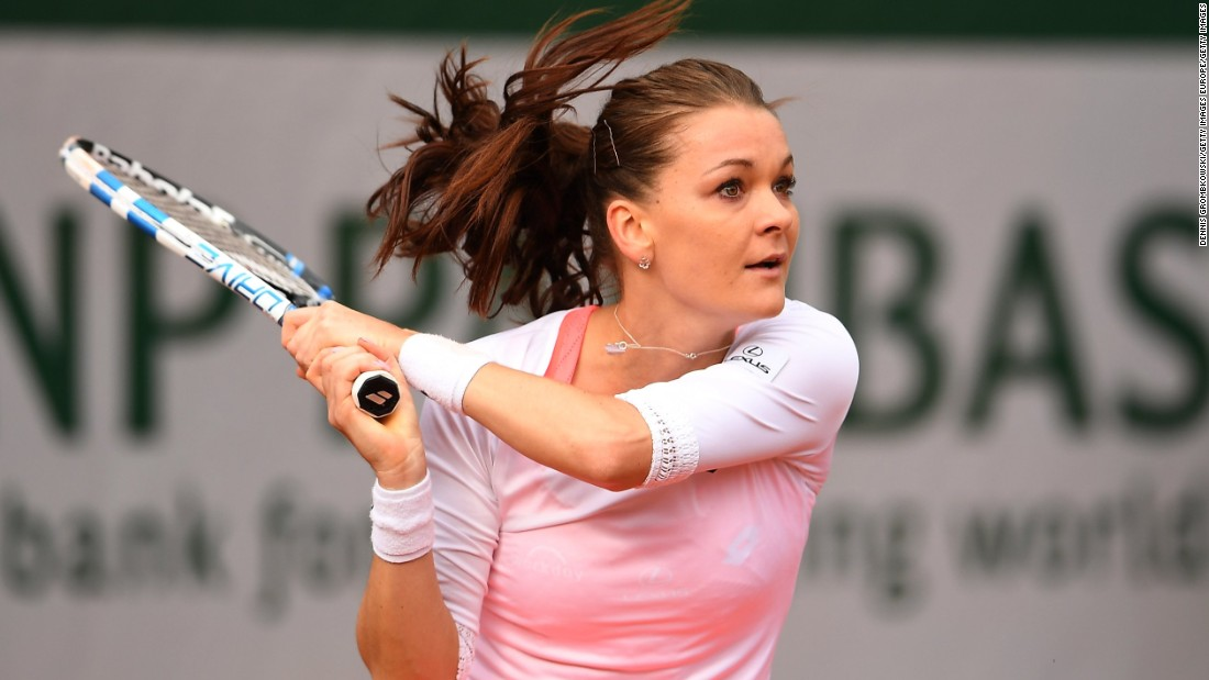 Women's second-seed Agnieszka Radwanska, who lost in the first round last year, had no trouble dispatching Bojana Jovanovski 6-0 6-2.
