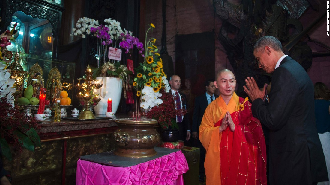 Obama pays his respects during a visit to the Jade Pagoda in Ho Chi Minh City on May 24.