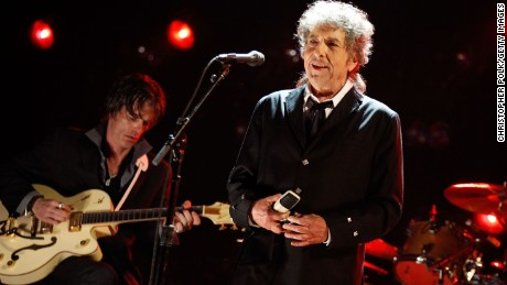 Musician Bob Dylan will accept his diploma and medal for the Nobel Prize in Literature this week when he's in Stockholm, Sweden, for two concerts, the Swedish Academy announced.