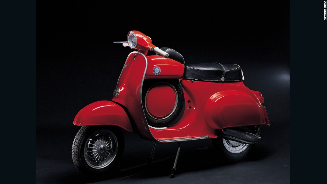 The 1966 Vespa 90 SS (for Super Sprint) was designed for those who had a mind to take the machine racing.