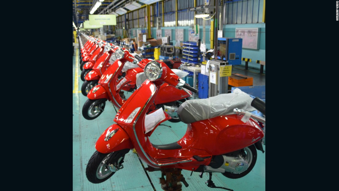 Tours of the Vespa factory in Pontedera, Italy are popular with enthusiasts who appreciate both its fascinating assembly line and Tuscan surroundings.
