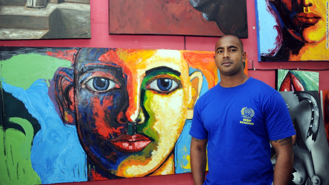 "British-Australian drug smuggler Myuran Sukumaran, one of the so-called ""Bali Nine"" gang, was <a href=""https://www.theguardian.com/world/2015/feb/28/bali-nine-myuran-sukumaran-given-university-degree-while-on-death-row"" target=""_blank"">awarded an art degree</a> from Curtin University, Perth while on death row in Indonesia. Sukumaran was mentored by award-winning Australian artist Ben Quilty when he was imprisoned, up until his execution in April 2015."