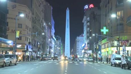 cnnee pkg perez sarmenti teatros argentina precio luz costo electricidad_00001206