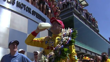 Milk at Indy 500 pkg _00010208