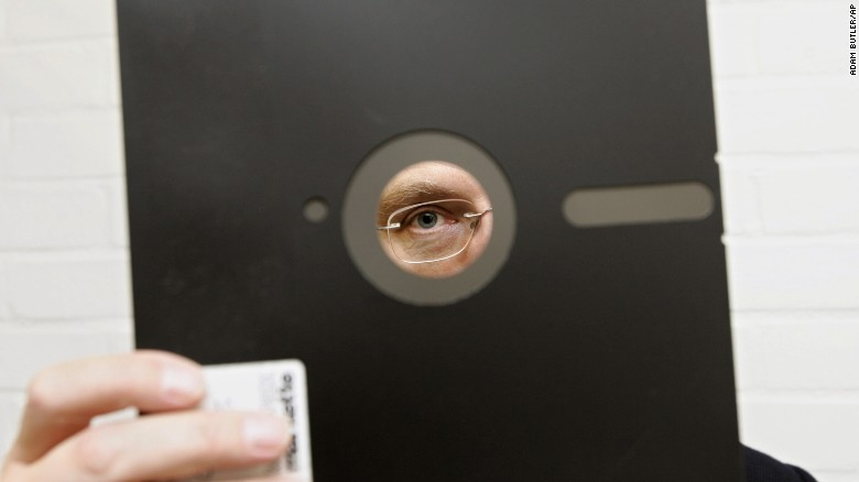 U.S. nuclear program runs on floppy disks