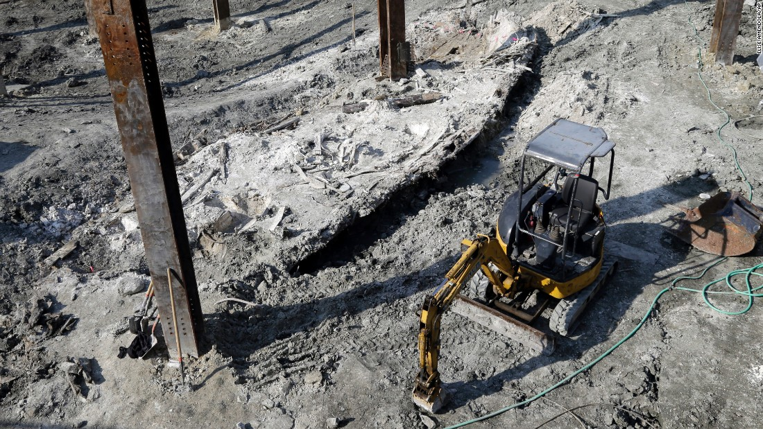 "<a href=""http://www.cnn.com/2016/05/25/us/shipwreck-found-boston-irpt/"" target=""_blank"">A shipwreck from the 1800s</a> is seen at a construction site in Boston on Wednesday, May 25. It was found within walking distance of several piers that overlook Boston Harbor."