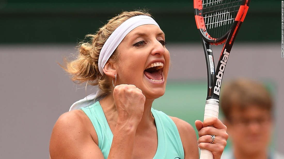 Bacsinszky, a semifinalist last year, came back from 4-1 in the first, winning 10 straight games.