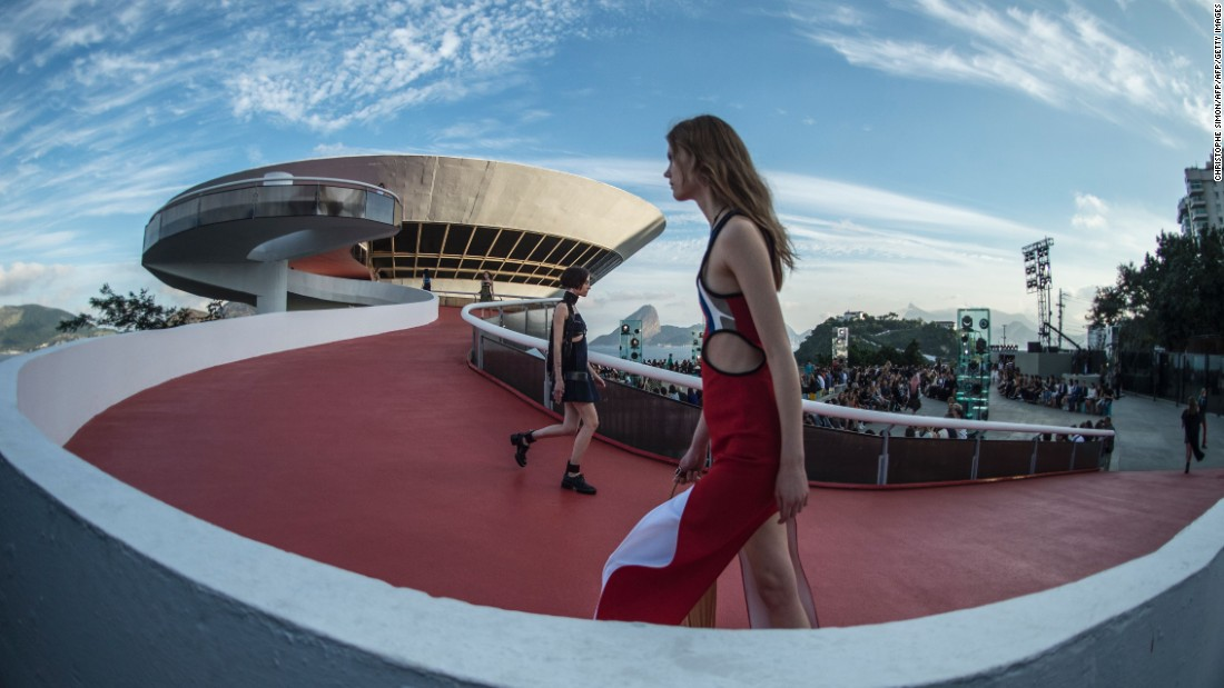 The Contemporary Art Museum (MAC) is designed by famed Brazilian architect Oscar Niemeyer.