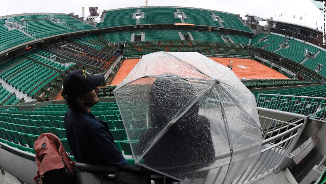 It was the first total washout at the French Open since May 30, 2000 -- exactly 16 years ago.