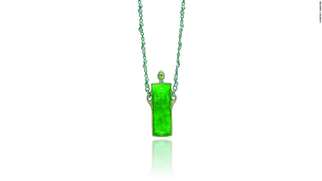 "<a href=""http://edition.cnn.com/2015/09/03/luxury/gallery/11000-diamonds-wallace-chan/"">Wallace Chan</a> multi-gem 'eternal joy' pendant (Sold: $967,783)"