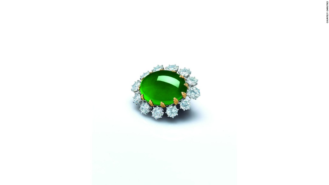Carvin French jadeite and diamond pendant/brooch (Sold: $2,478,973)