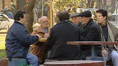 cnnee pkg diego laje economia de jubilados en argentina _00040603