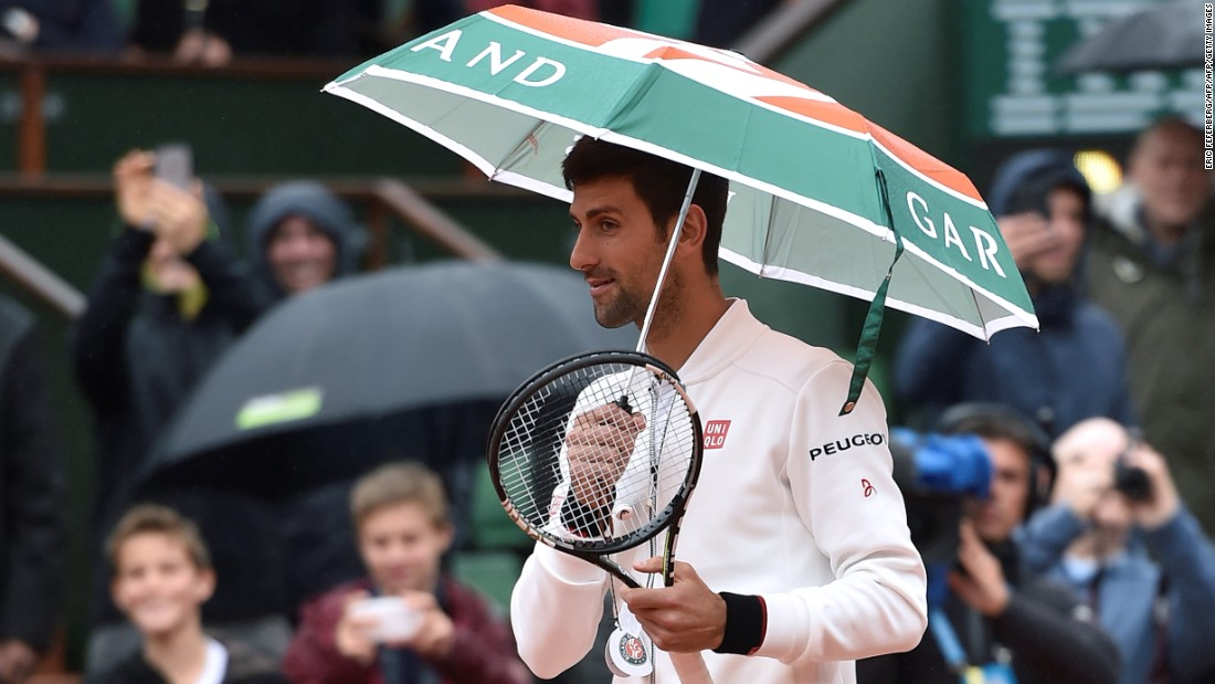 Novak Djokovic took matters into his own hands prior to his rain-affected match against  Roberto Bautista-Agut, as the weather continued to disrupt play at the French Open.