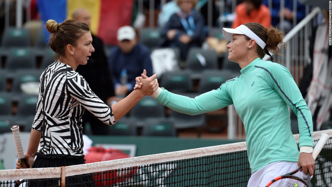 Australian Samantha Stosur, finalist at Roland Garros in 2010, beat sixth seed Simona Halep in straight sets to progress to the quarterfinals.