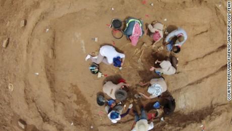 Mass grave reveals Somalia's bloody past