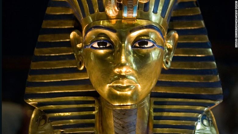 King Tutankhamun's meteor dagger