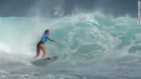 bethany hamilton beats worlds top surfer short intv cnn today_00001217