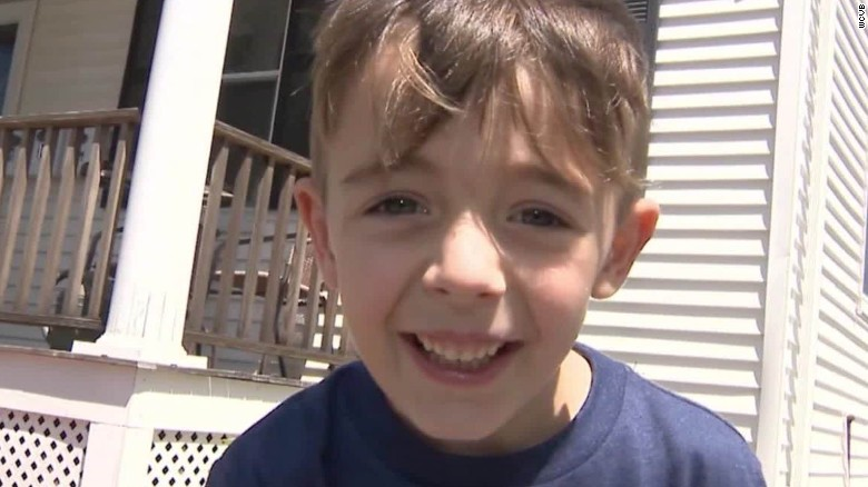 Boy calls 911 and says dad ran a red light