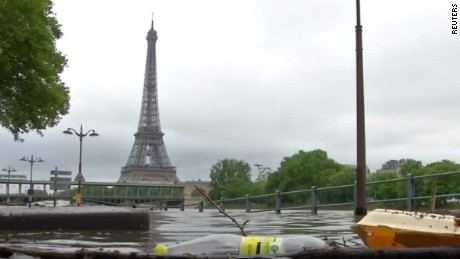 Paris flooding threatens museum artwork