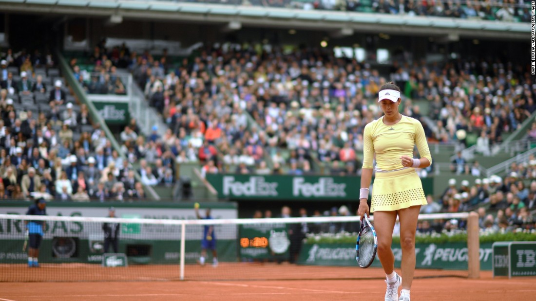 Muguruza's 7-5 6-4 victory was watched by a capacity crowd on Philippe Chatrier court.
