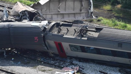 belgium train crash orig_00000000