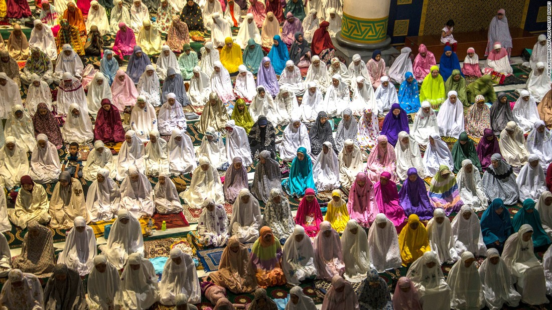ramadan and muslims One of the most joyous days in the islamic calendar, eid al-fitr, also known as eid ul-fitr or eid, is a celebration that marks the end of ramadan (a holy month of fasting observed by.