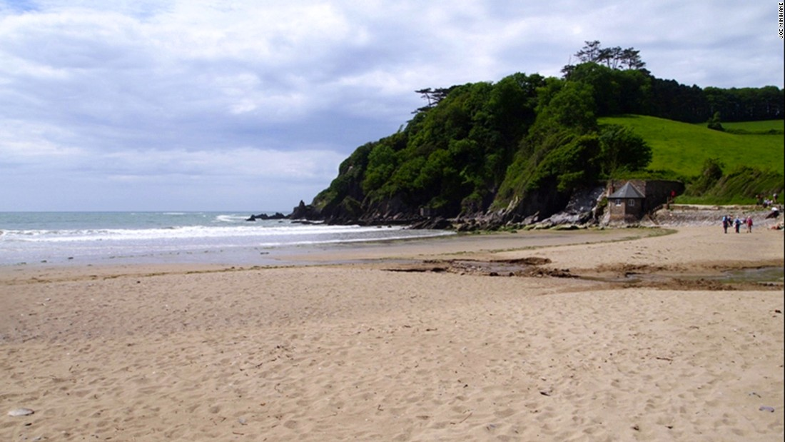 Perfect for body boarding and swimming, Mothecombe's private beach opens up to the public on Wednesdays and Saturdays.