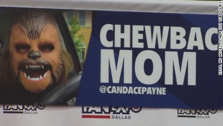 Candace Payne AKA Chewbacca Mom got to meet the real Chewbacca, Peter Mayhew.