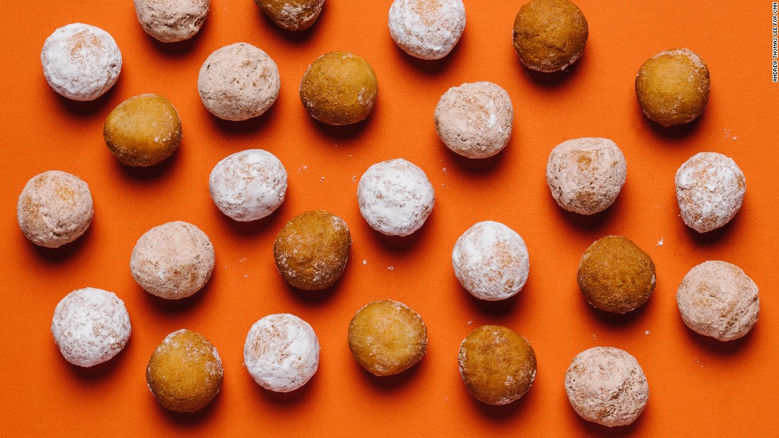 Here are the best Dunkin' Donut options if you're focused on healthy choices within the limits of the menu. For children, old fashioned, powdered and cinnamon Munchkins are the lowest in calories and saturated fat, and their size creates portion control.