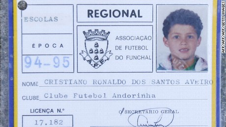 Ronaldo started out with amateur club Andorinha.